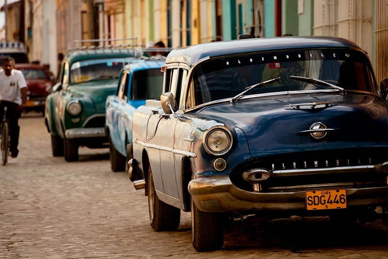 Three Blue Cars, Trinidad