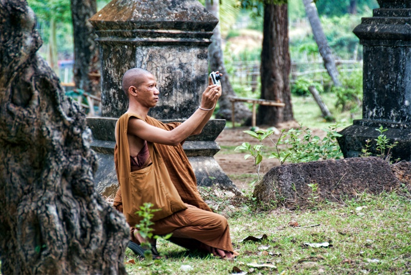 Monks Are Photogs Too