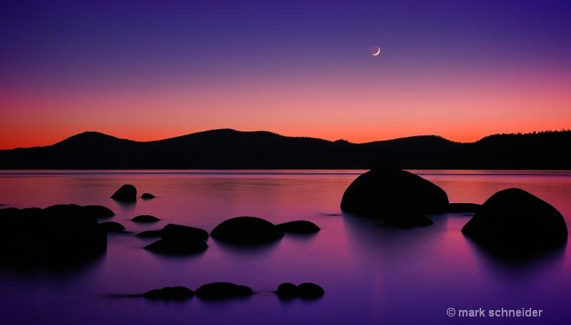 Tahoe moon