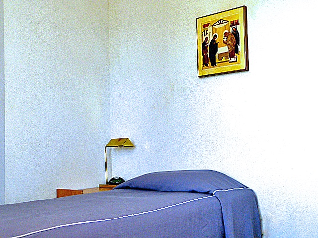 single room at retreatant house