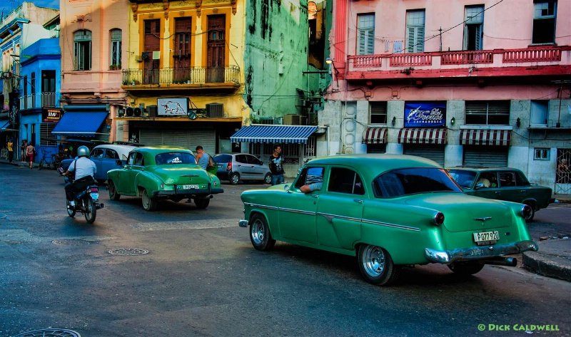 Havana vibrant cars and buildings