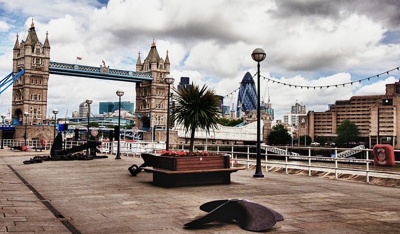 London Bridge in HDR