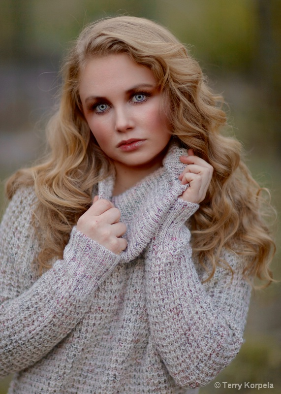 Fall Sweater Shoot Portrait