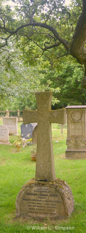 DOYLE'S GRAVE WITH HIS SECOND WIFE