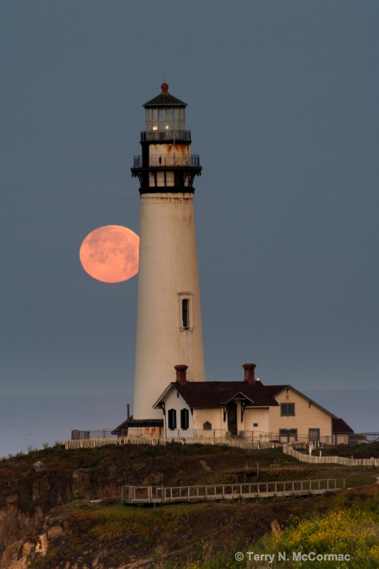 Moonset Pigeon Point Lighthouse