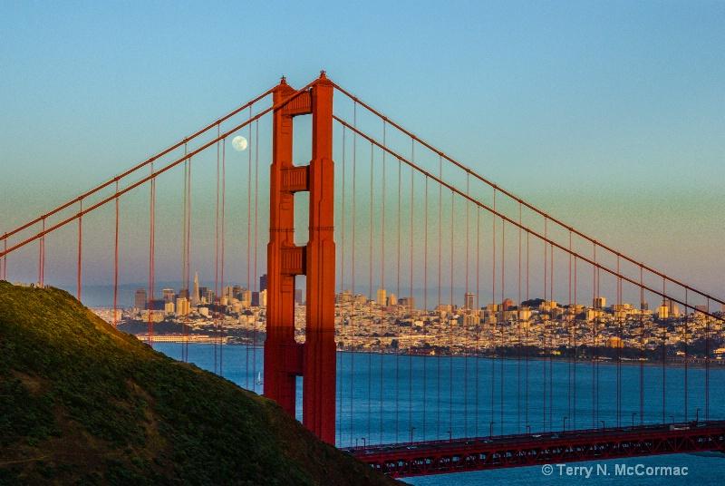 Moonrise the Bridge & the City