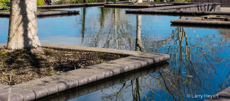 Fountain at Oregon Gardens in Silverton, Oregon