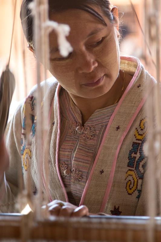 Weaving lotus thread