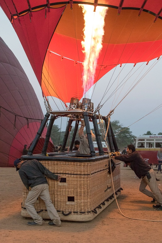 Balloon ride over Bagan