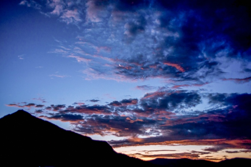 High clouds, twilight