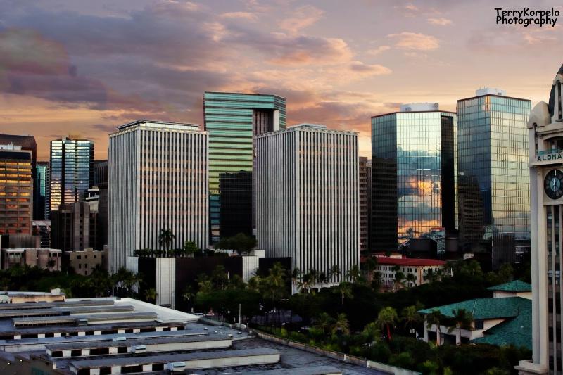 Honolulu Skyline at Sunseet