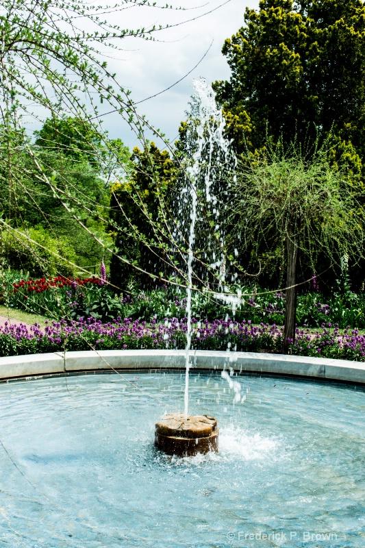 Fountain-25