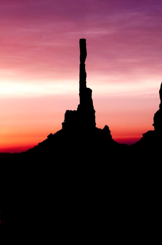 hmmv Sunrise Totem Pole Silhouettes-1234-1