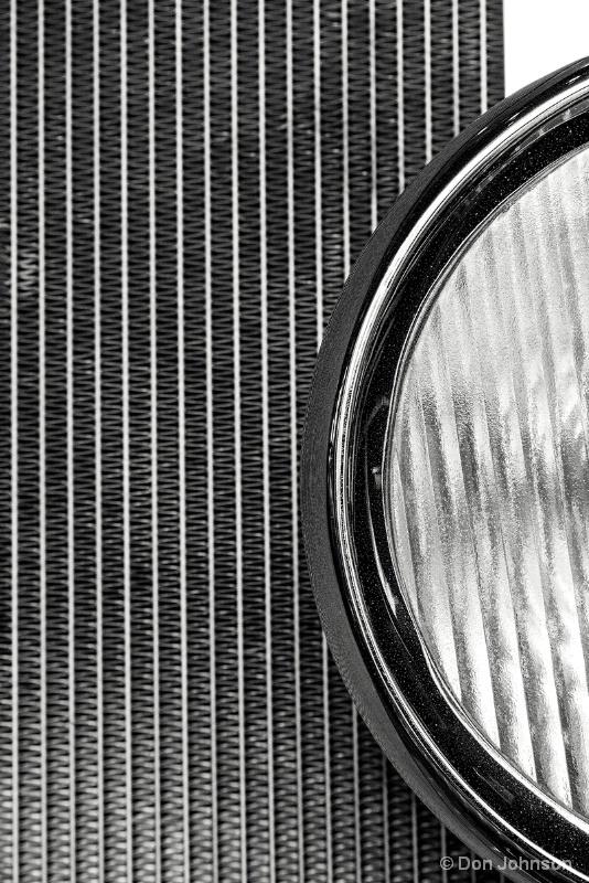 B&W Fire Engine Headlight 9-25-15 084