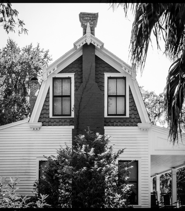 B/W Old House