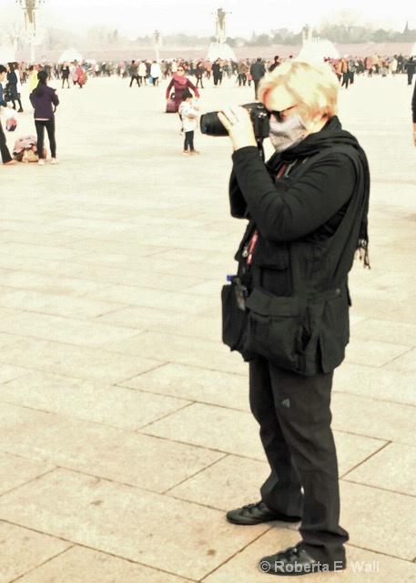 Bobi doing photos in Tinamen Square