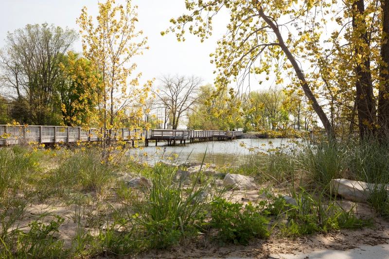 Walkway to Ottawa Beach Park