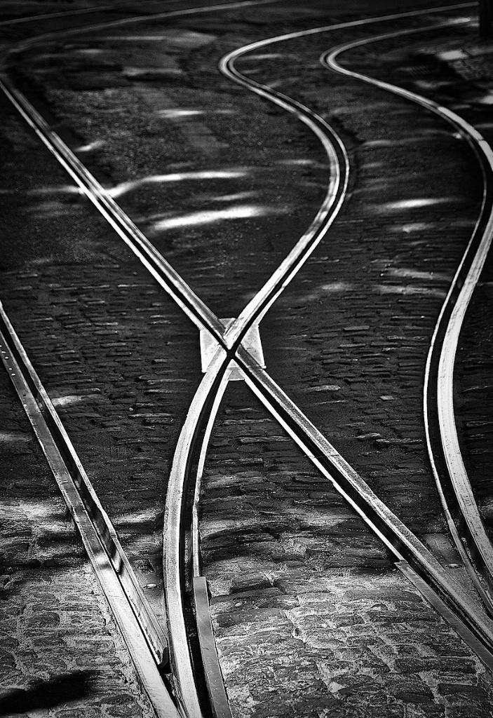 Crossing rail lines