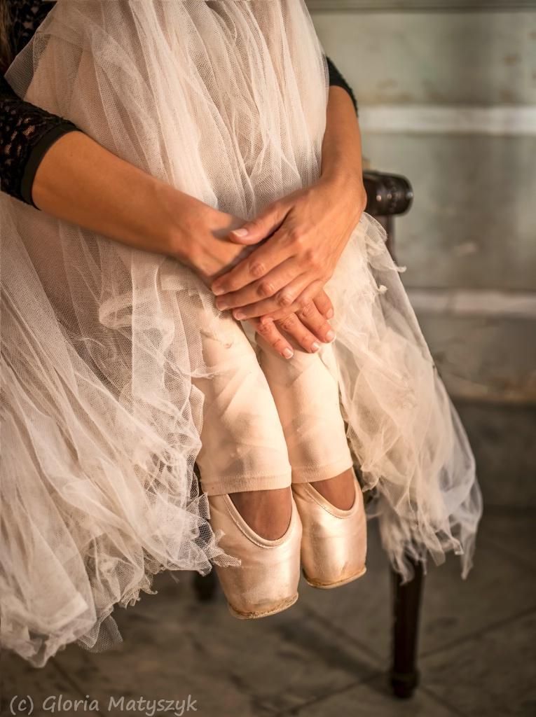 Ballerina - natural light; Havana, Cuba