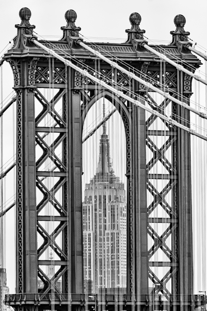 Empire State Framed By Manhattan Bridge 8175