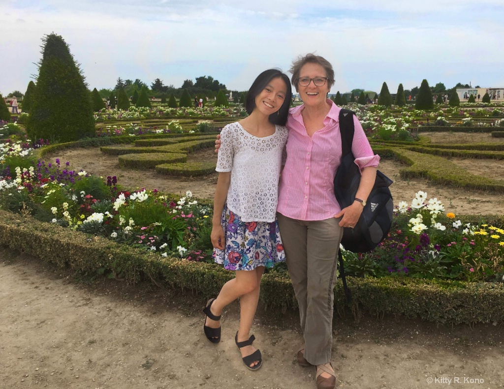 Yumiko and Kitty in the Versailles Gardens