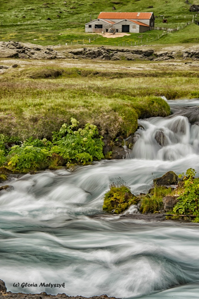 Moving water, Iceland