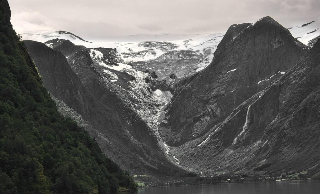 The Glacier at the end of the Fiord