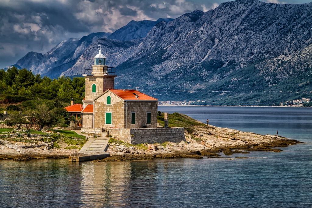 Adriatic Lighthouse  8775
