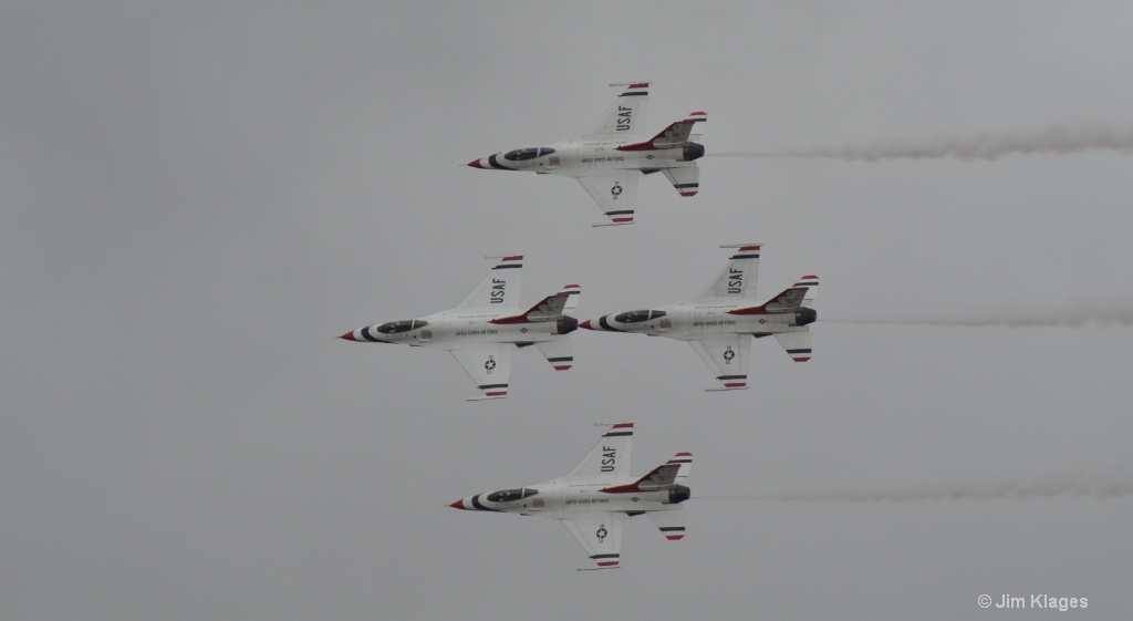 Thunderbirds Four Ship Pass