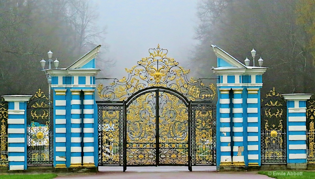 Front Gate Catherine's Palace
