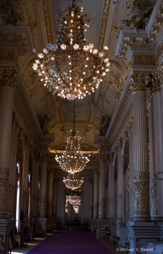 Opera Lounge