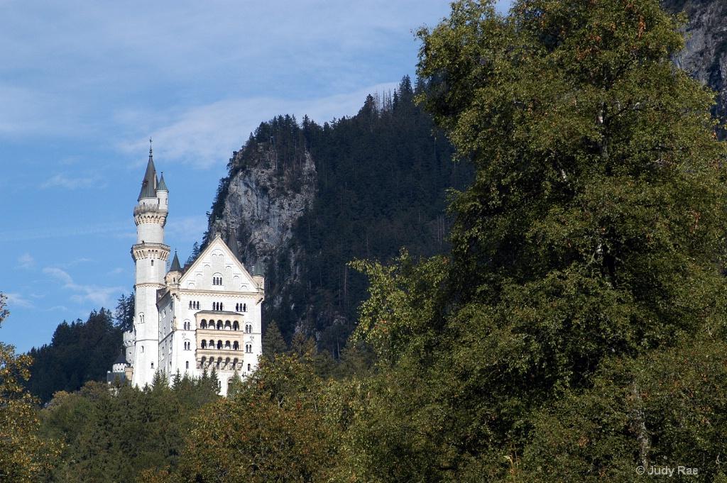 Austri Castle