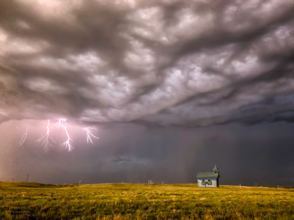 When Lightning Strikes  0677
