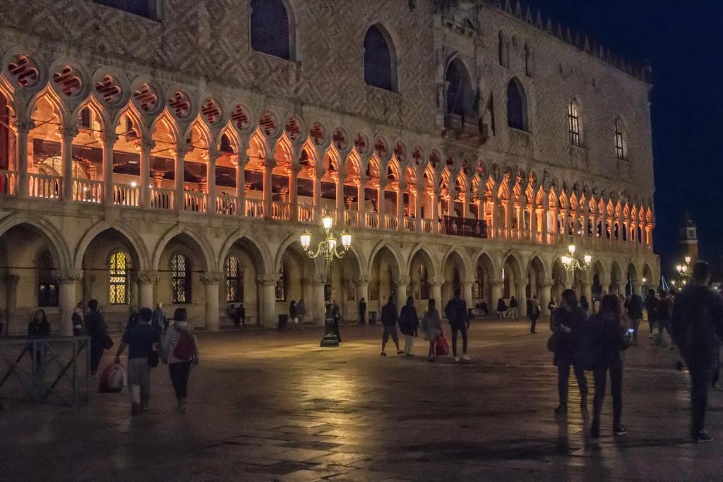 Venice Night  8103