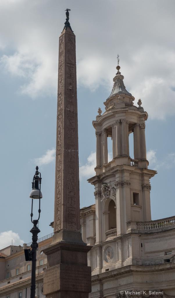 Navona Column