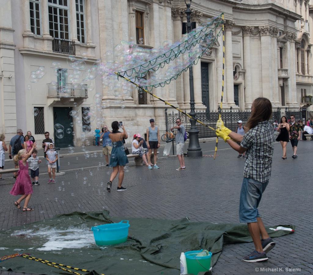 Bubbles at Piazza Navona