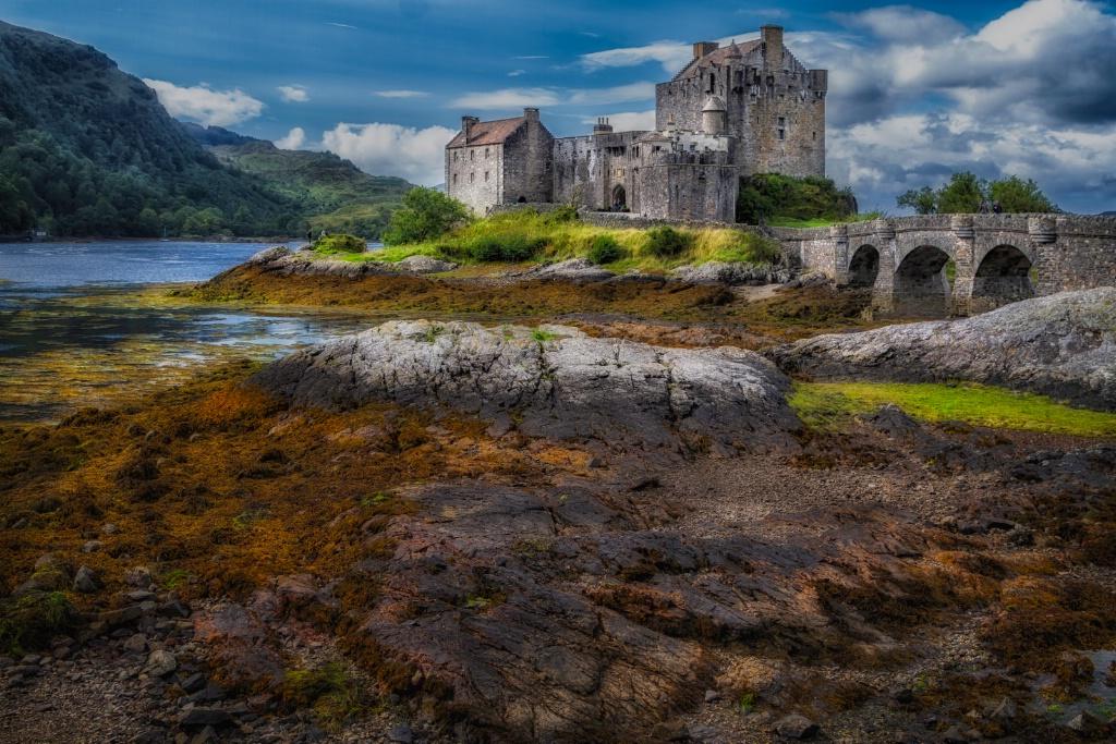 Eilean Donan Castle  7050