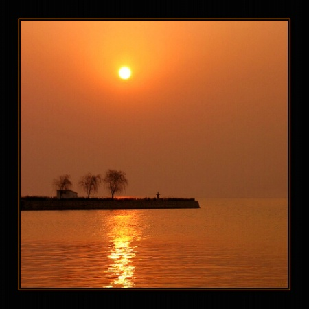 rising sun-the lake Tai, China