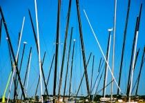 Many masts (horizontal)