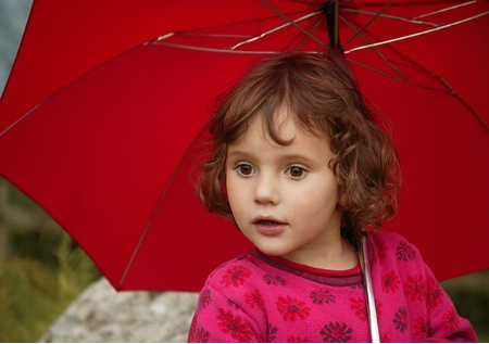 Red Umbrella protect the child