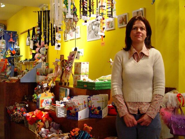 Estra 4 - Baby Shop Owner