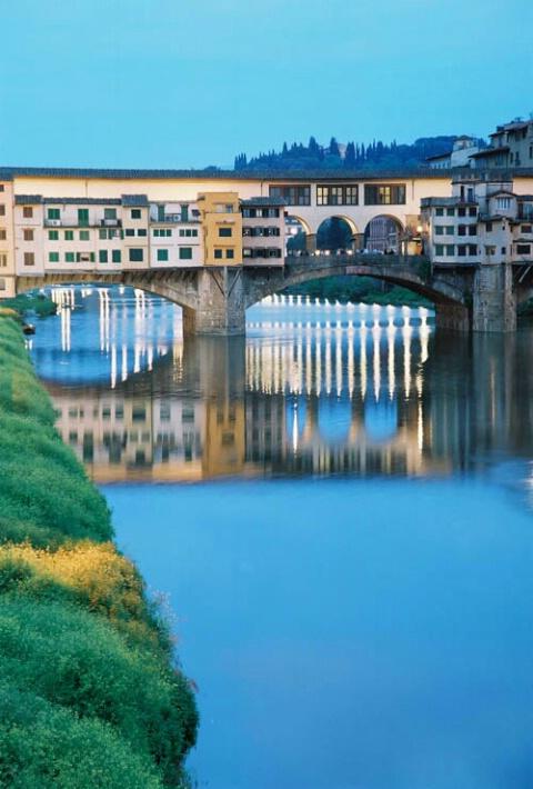 Evening view of Ponte Vecchio