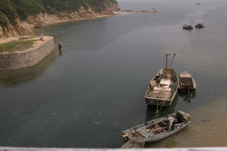 Fishing in Weihai - ID: 456968 © Virginia Ross