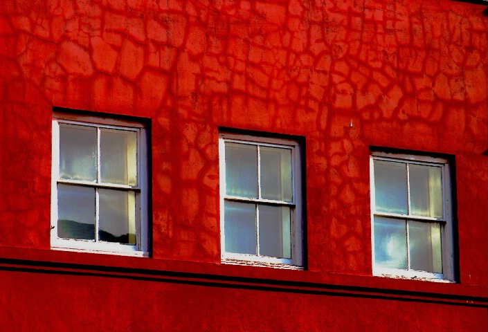Windows in Red
