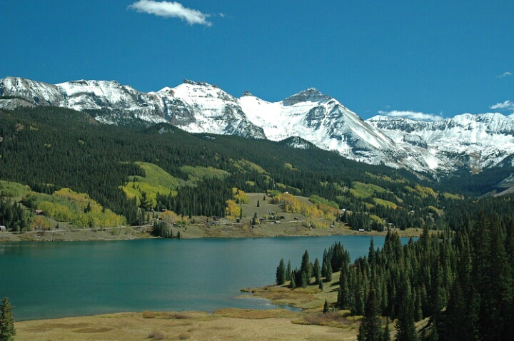 Colorado Lake - ID: 577666 © Robert A. Eck