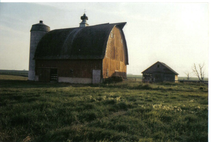 Barn in the pasture - ID: 641818 © Eric B. Miller