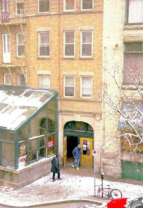 Albert street hotel - ID: 662841 © Heather Robertson