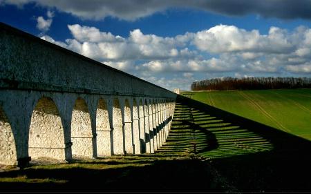 The Aqueduct of Shadows
