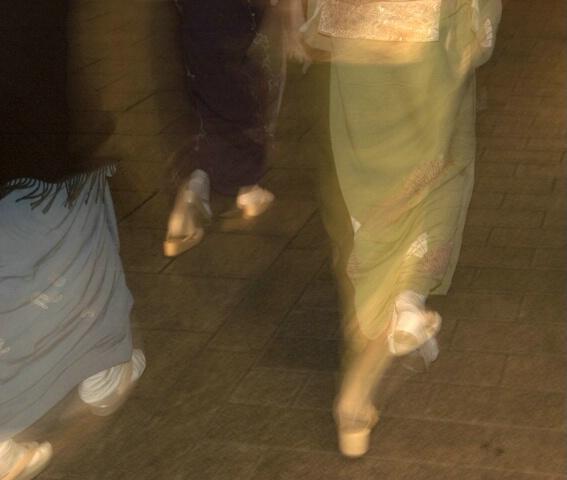 Kimono-clad women on the move