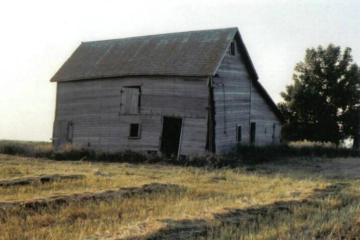 Hay barn 2 - ID: 775792 © Eric B. Miller